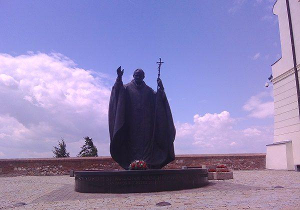 Kip svetog Ivana Pavla II. u Nitri