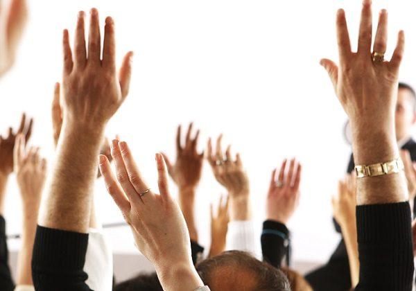 ruke u zraku