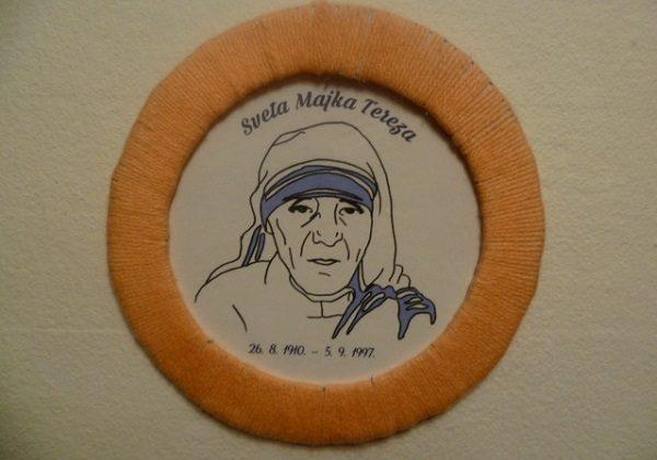 Sveta Majka Tereza - slika s okvirom od vune i kartona