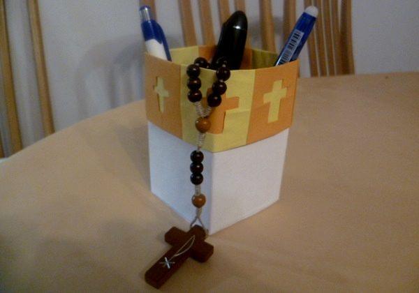 kutija-za-olovke-s-krizem