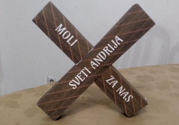 Križ svetoga Andrije od papira
