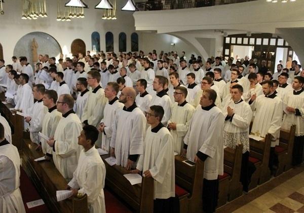 Postupci provjere u sjemenišnoj formaciji prema crkveno-pravnim dokumentima