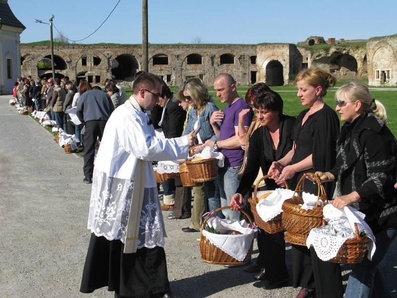 Uskrsni blagoslov jela i uskrsni običaji