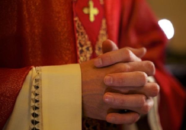 Kriva slika o svećeniku