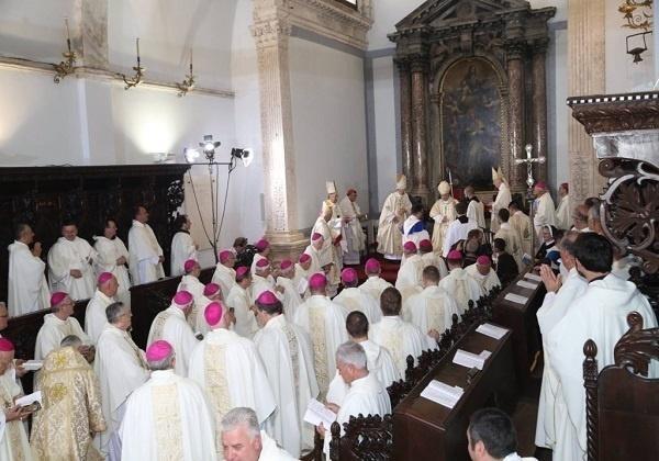 Crkva – od čega živi? (Uz ređenje novoga hvarskoga biskupa mons. dr. Petra Palića)