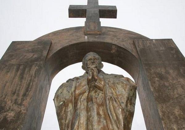"Fenomen ""nadničarske"" kritike Crkve"