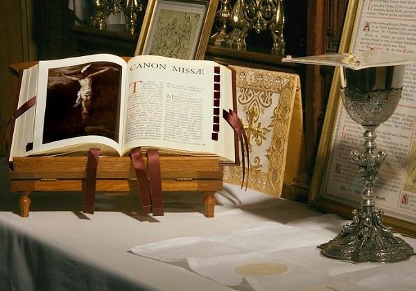 Euharistijsko slavlje prema Misalu iz 1962. i Misalu iz 2002. (8. dio)